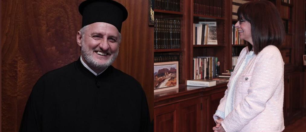 Επικοινωνία με τον Αρχιεπίσκοπο Αμερικής είχε η Κατερίνα Σακελλαροπούλου