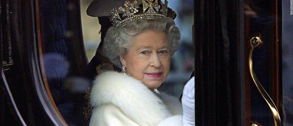 Η Βασίλισσα Ελισάβετ αναζητεί διαχειριστή για τα social media του Μπάκιγχαμ!