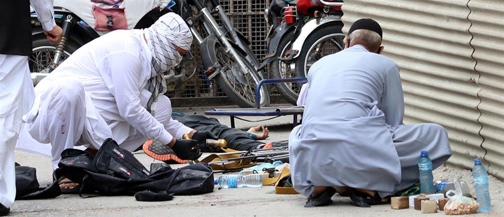 Πακιστάν: Αιματηρή επίθεση στο Χρηματιστήριο (εικόνες)