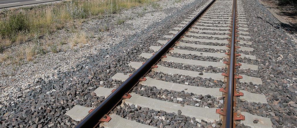 Τρένο παρέσυρε και σκότωσε πεζό