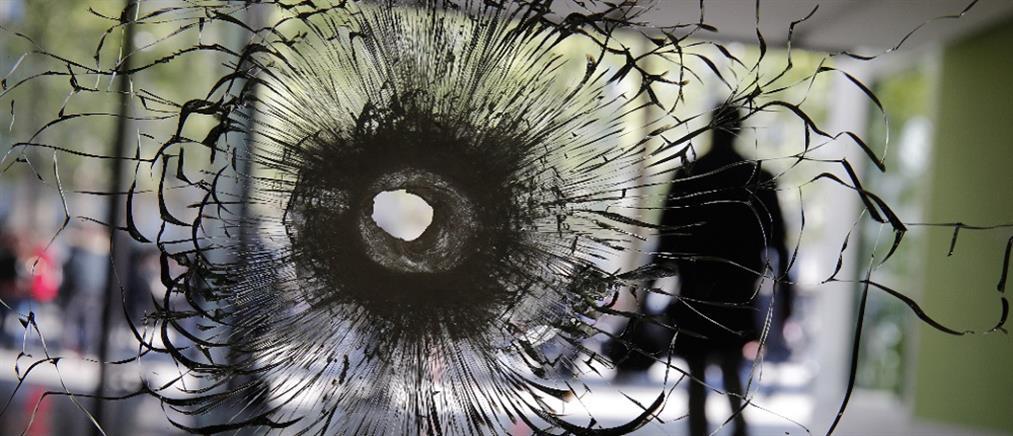 """Γαλλία: κάλπες με το """"βλέμμα"""" στην τρομοκρατία"""