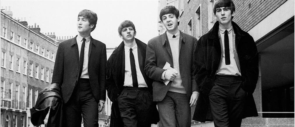 "Beatles: Οι χειρόγραφοι στίχοι του ""Hey Jude"" πωλήθηκαν σε τιμή ρεκόρ"