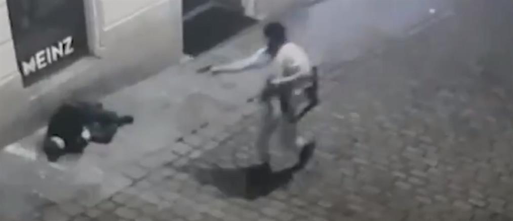 Τρόμος στη Βιέννη: αιματοκύλισμα και εν ψυχρώ εκτελέσεις (βίντεο σοκ)