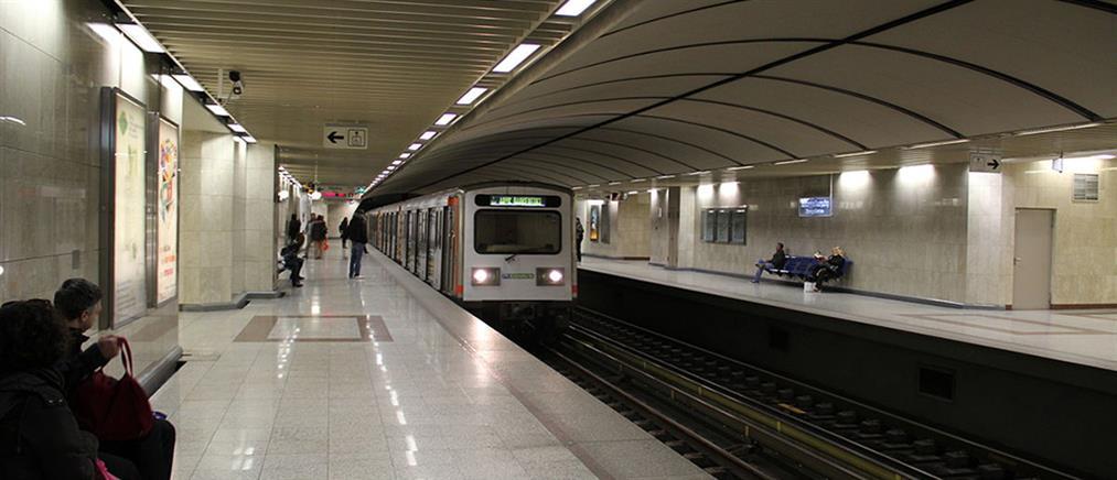 Άνδρας ανασύρθηκε νεκρός από τις γραμμές του μετρό