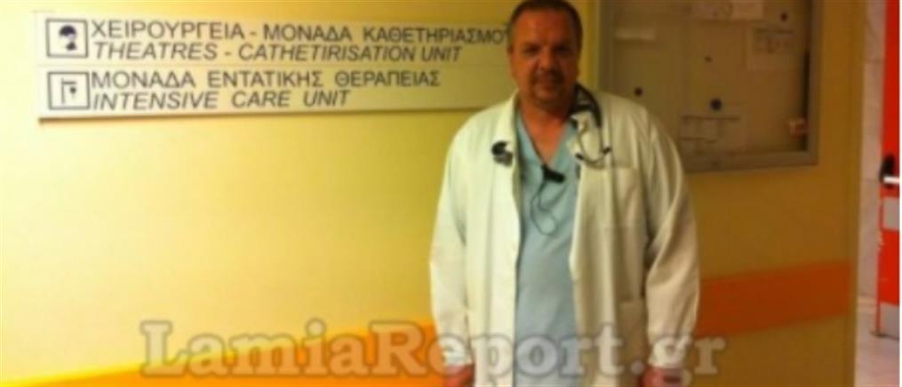 """Πέθανε ο γιατρός που """"πάλευε"""" τον κορονοϊό στη ΜΕΘ"""