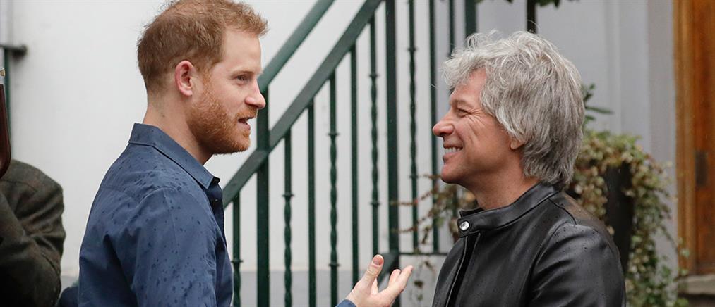 """Jon Bon Jovi για Χάρι: """"Ο καλλιτέχνης που ήταν παλαιότερα γνωστός ως πρίγκιπας"""""""