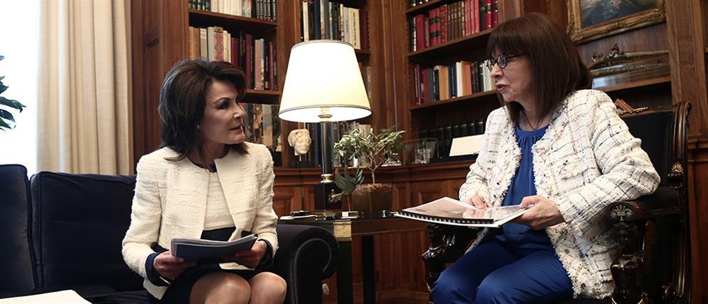 """""""Ελλάδα 2021"""": Συνάντηση Σακελλαροπούλου - Αγγελοπούλου"""