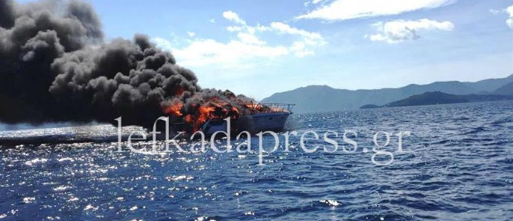 Λευκάδα: Στις φλόγες τυλίχτηκε θαλαμηγός