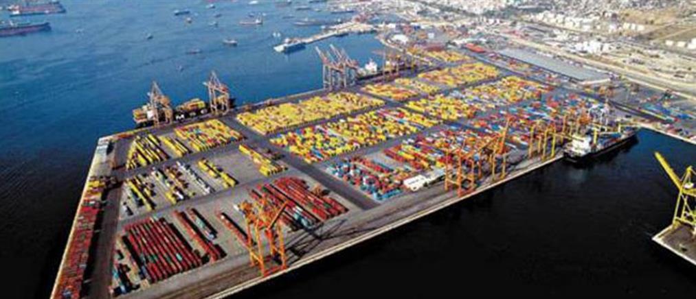 Μαχαίρια, όπλα, σιδερογροθιές και γκλομπς στο λιμάνι του Πειραιά