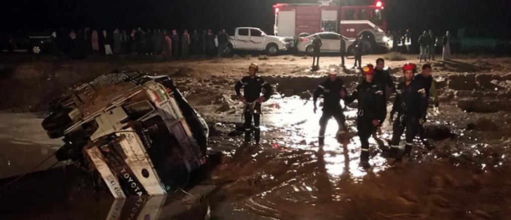 Φονικές πλημμύρες σαρώνουν την Ιορδανία (βίντεο)