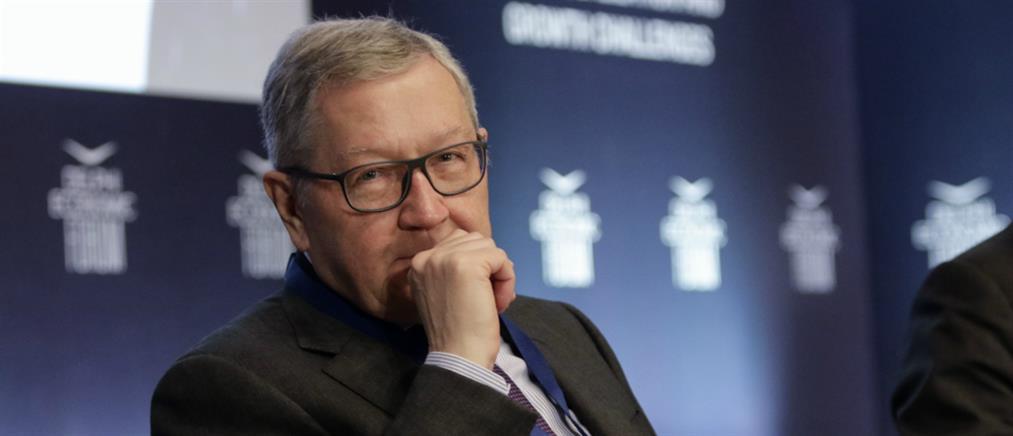 Ρέγκλινγκ: συνέχιση των δεσμεύσεων ή απόσυρση των μέτρων για το χρέος