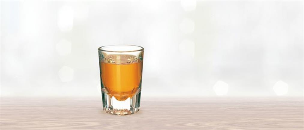 Guardian: Το ρακόμελο μεταξύ των δέκα καλύτερων ποτών για το χειμώνα