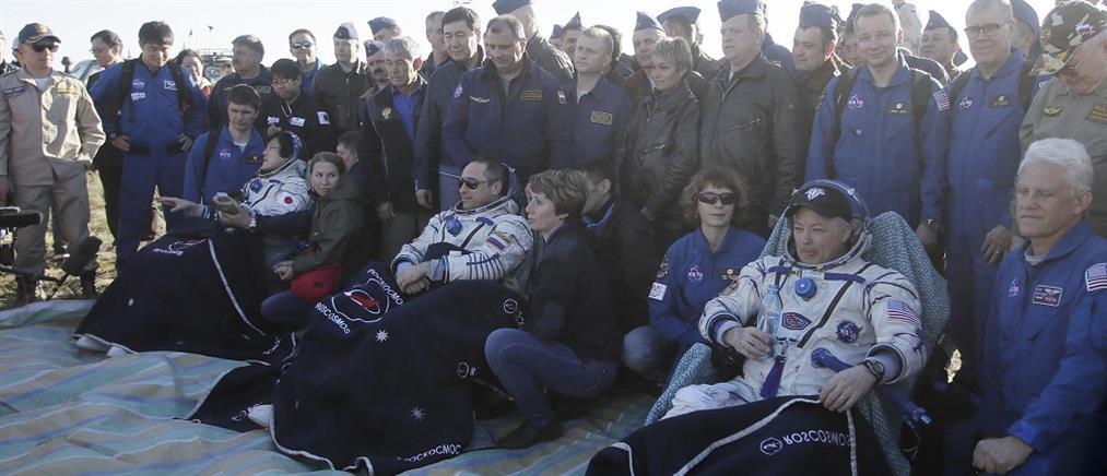 Επέστρεψαν στη Γη μετά από 168 ημέρες στον Διεθνή Διαστημικό Σταθμό (βίντεο)