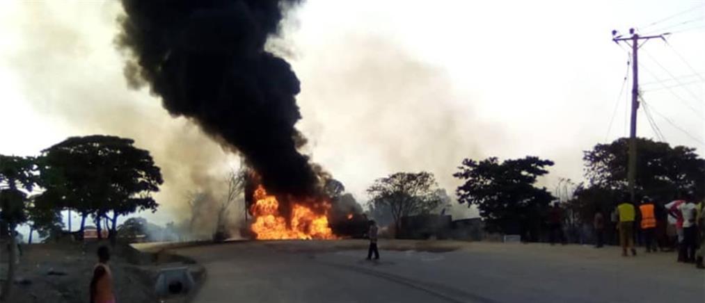 Πολύνεκρη έκρηξη σε βυτιοφόρο (εικόνες)