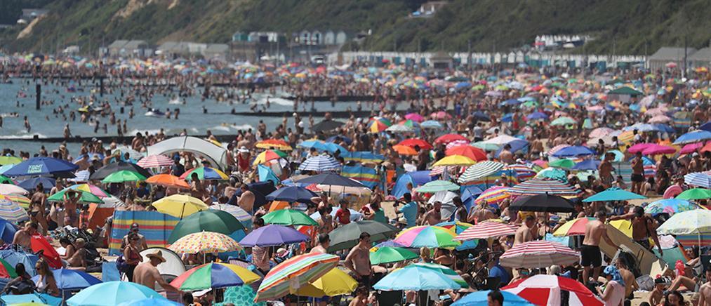 Βρετανία: Ο ένας πάνω στον άλλον στις παραλίες εν μέσω κορονοϊού