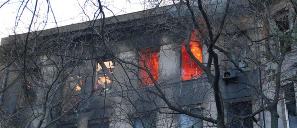 Φονική φωτιά σε φοιτητική εστία (βίντεο)
