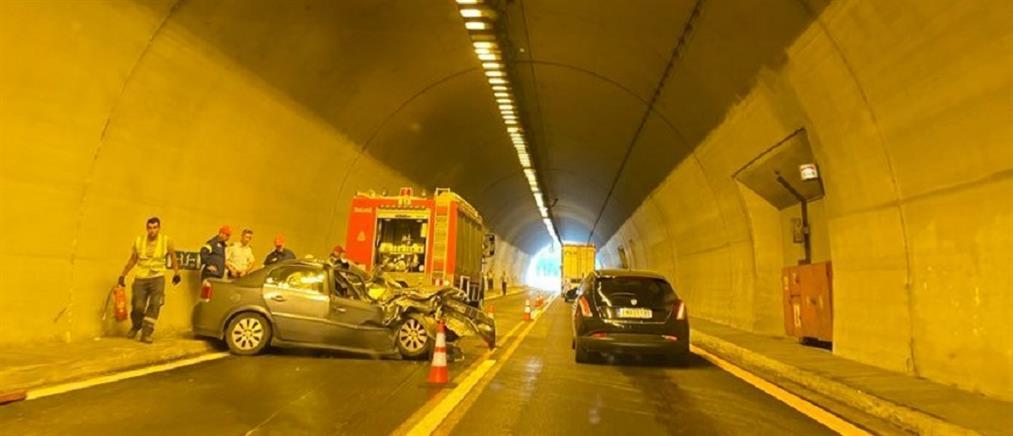 Εγνατία Οδός: Τροχαίο – σοκ μέσα σε τούνελ , ουρές χιλιομέτρων (εικόνες)