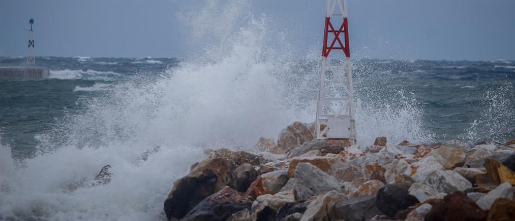 Κακοκαιρία: Προβλήματα στα δρομολόγια των πλοίων