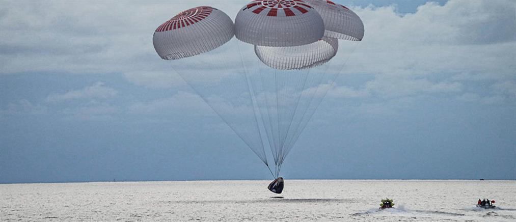 SpaceX: Επέστρεψαν στη Γη οι πρώτοι τουρίστες του διαστήματος (βίντεο)