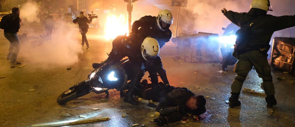 Συγκλονίζει ο τραυματίας αστυνομικός στη Νέα Σμύρνη (βίντεο)