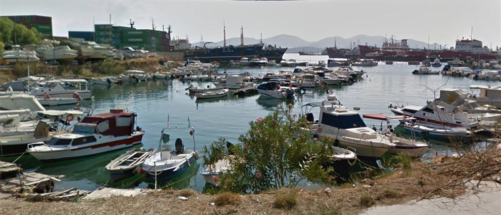 Ανήλικος έπεσε στη θάλασσα για να αποφύγει αστυνομικό έλεγχο