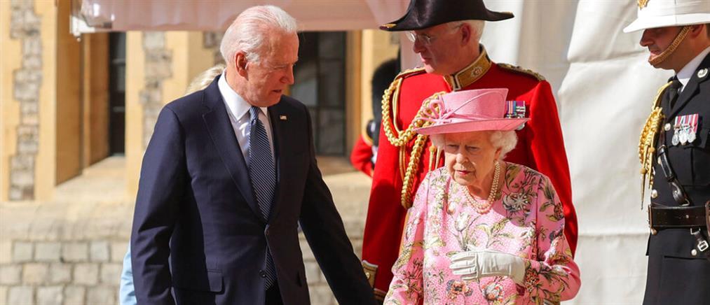 Η βασίλισσα Ελισάβετ υποδέχθηκε τον Τζο Μπάιντεν στο κάστρο του Ουίνδσορ (εικόνες)