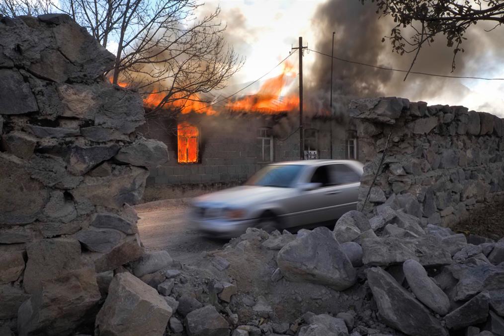 Ναγκόρνο Καραμπάχ - φωτιά - σπίτια