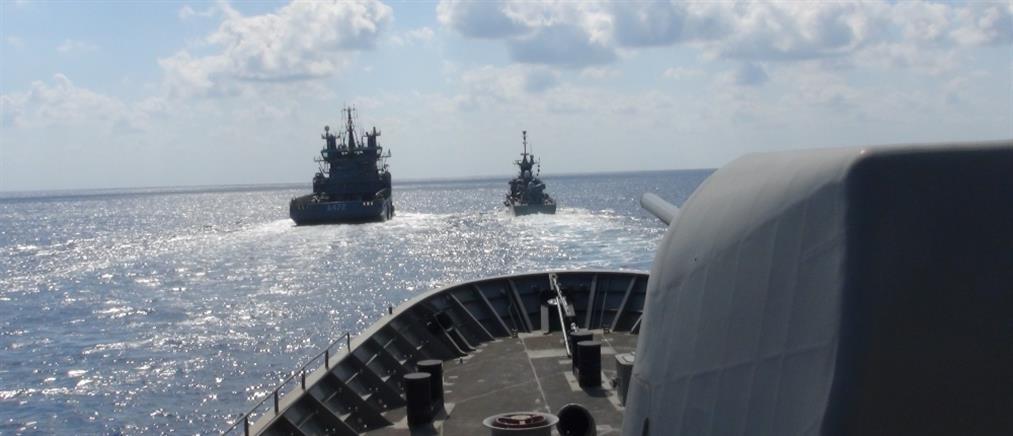 Πολεμικό Ναυτικό: Εντυπωσιακές εικόνες από άσκηση με πραγματικά πυρά (βίντεο)
