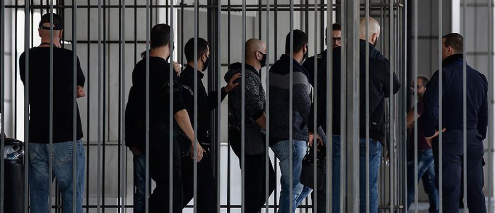Δίκη Χρυσής Αυγής: στην φυλακή οδηγούνται οι 39 από τους καταδικασθέντες