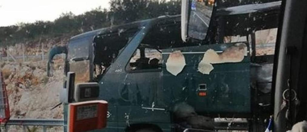Φωτιά σε λεωφορείο του ΚΤΕΛ εν κινήσει (εικόνες)