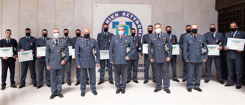 Φωτιά στο Μάτι: Μετάλλια σε αστυνομικούς που έσωσαν πολίτες (εικόνες)