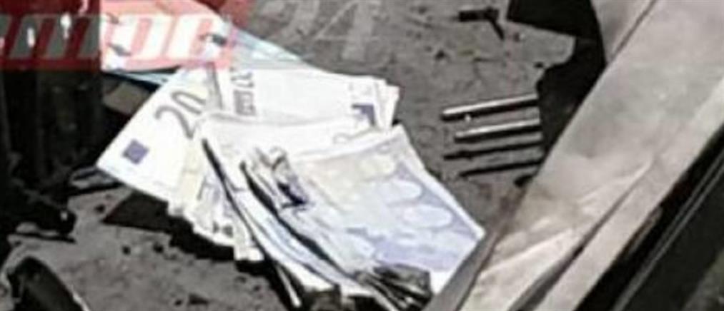 Ανατίναξαν ΑΤΜ και γέμισε ευρώ ο δρόμος (εικόνες)