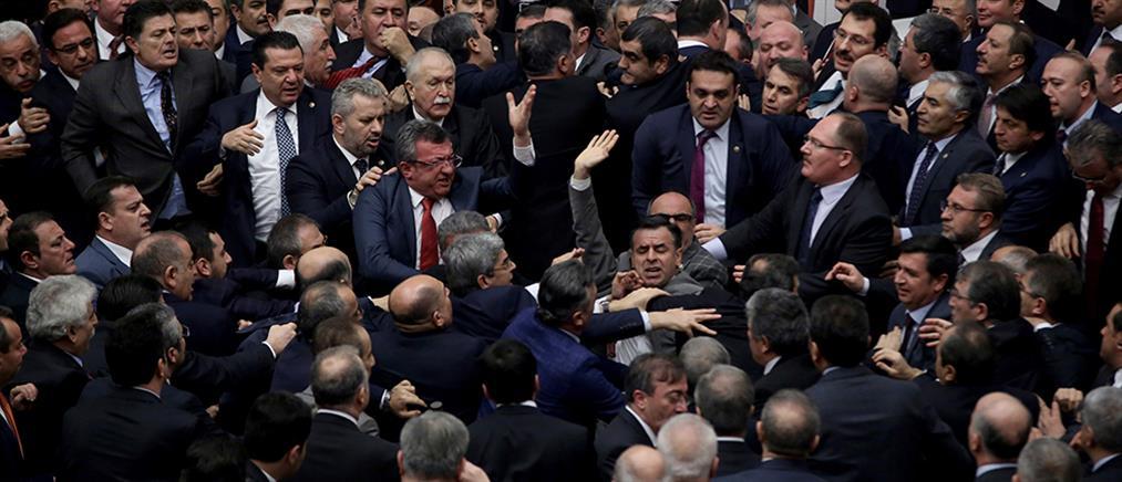 """Μποζκούρτ: Αν βγει το """"όχι"""", θα σας ρίξουμε στη θάλασσα όπως τους Έλληνες το 1922"""
