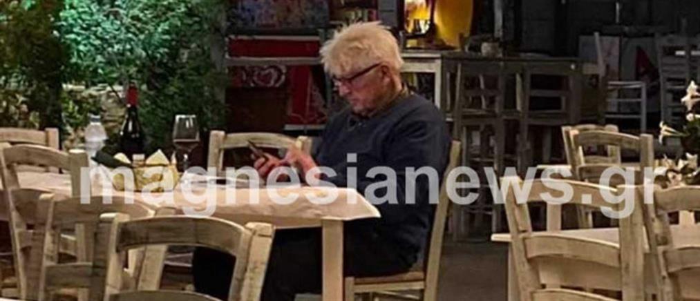Στάνλεϊ Τζόνσον: Μοναχικό δείπνο στο Πήλιο για τον πατέρα του Μπόρις (εικόνες)