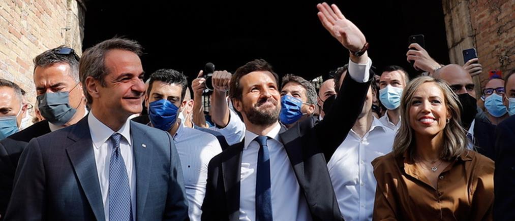 Μητσοτάκης: Η συμβουλή στον Πάμπλο Κασάδο για τη νίκη στις ισπανικές εκλογές (εικόνες)