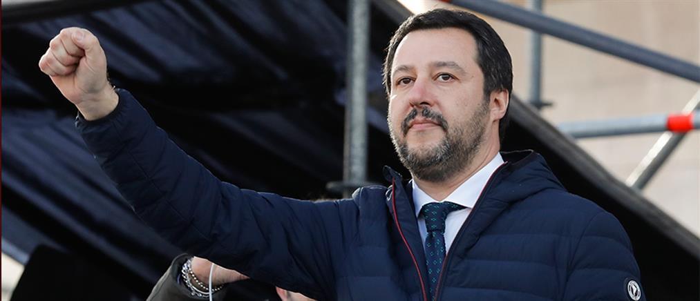 Ιταλία: δημοσκοπικό προβάδισμα, αλλά με μικρή κάμψη για τον Σαλβίνι