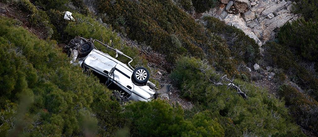 Πτώση αυτοκινήτου σε γκρεμό: νεκρός ανασύρθηκε ο οδηγός