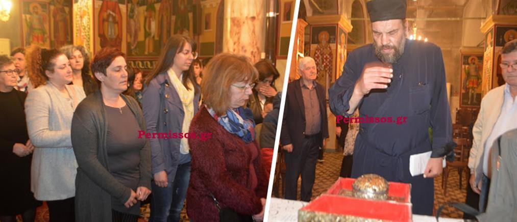 Θεσπιές Βοιωτίας: Δάκρυσε και ο ιερέας στην προσευχή για την Αλεξία (εικόνες)