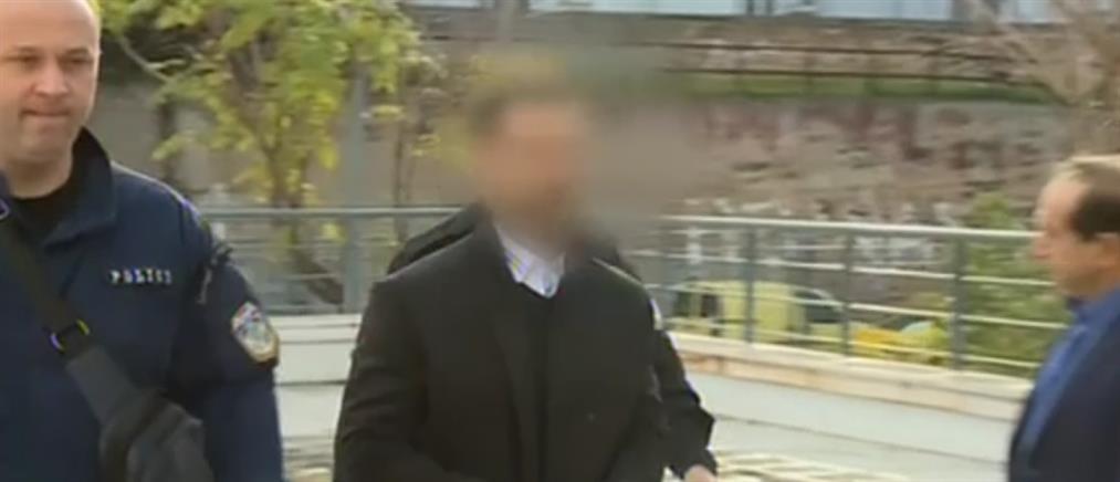Ξέσπασαν οι συγγενείς του ηθοποιού που κατηγορείται για βιασμό οδηγού ταξί (βίντεο)