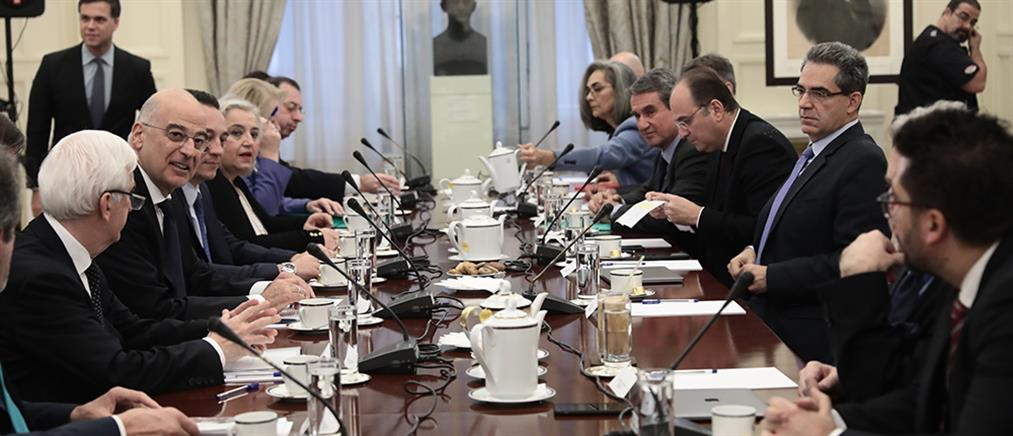 """""""Καυτή συνεδρίαση"""" στο Εθνικό Συμβούλιο Εξωτερικής Πολιτικής"""