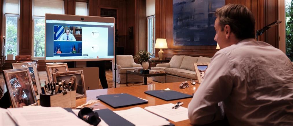 Μητσοτάκης – Μέρκελ: Η συνεργασία με την ΕΕ για την Λέσβο και το βίντεο από το Καρά Τεπέ