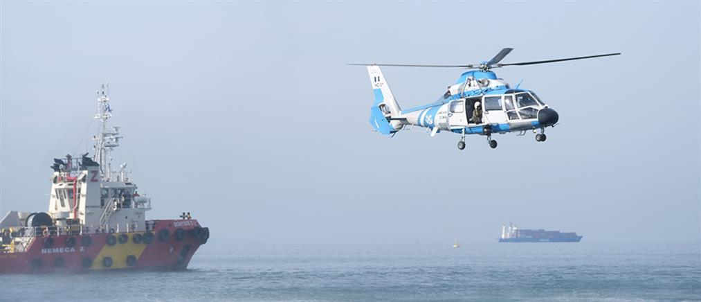 """Θεσσαλονίκη: Επιχείρηση ανακατάληψης πλοίου μετά από """"τρομοκρατική επίθεση"""" (βίντεο)"""