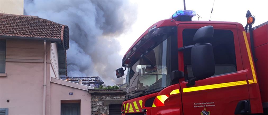 """""""Συναγερμός"""" από φωτιά στις Βερσαλλίες"""