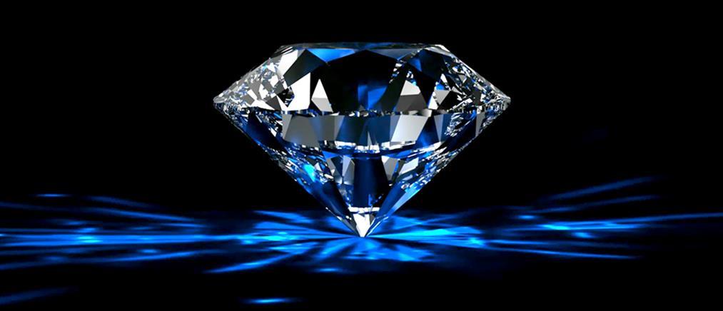 """""""Ξάφρισαν"""" διαμάντι από βιτρίνα"""