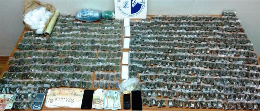 Εκατοντάδες συσκευασίες με χασίς βρέθηκαν σε ξενοδοχεία (εικόνες)