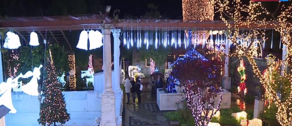 Ο ΑΝΤ1 στο πιο στολισμένο σπίτι της Ελλάδας (βίντεο)