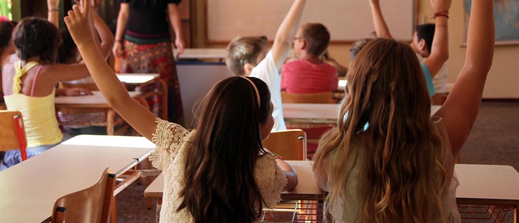 Παιδεία: 11700 μονιμες προσλήψεις εξήγγειλε η Κεραμέως