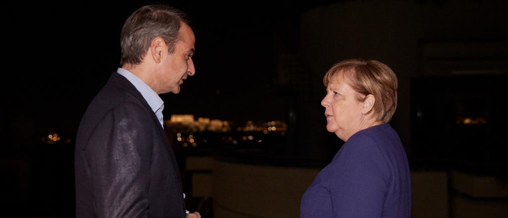 Μέρκελ: Η άφιξη στην Αθήνα και το δείπνο με Μητσοτάκη