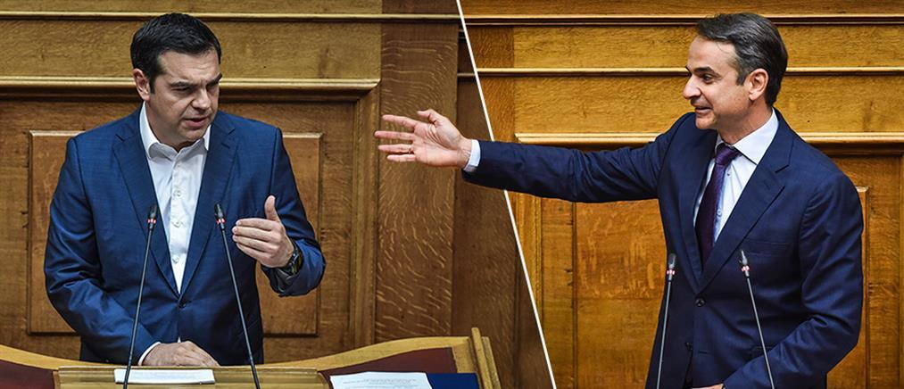 Με… λαμέ γραβάτες, τσάμικα και μακεδονομάχους η σύγκρουση κορυφής στη Βουλή