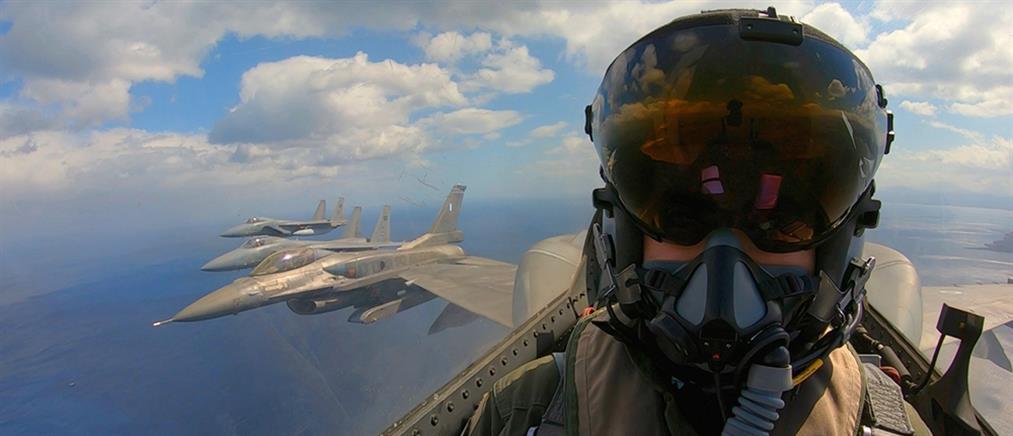 """Εντυπωσιακές εικόνες από την άσκηση """"Falcon Eye - 1"""" (βίντεο)"""